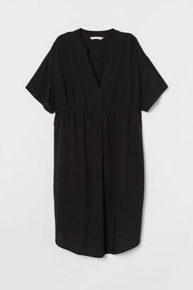 H&M MAMA V-neck Tunic - Black
