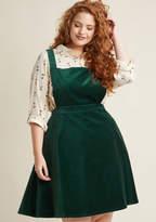 ModCloth Cupcake Consultant Velvet Jumper in Emerald in 4X