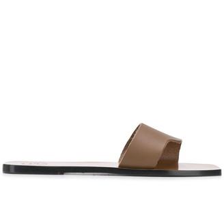 ATP ATELIER Cutaway Flat Sandals