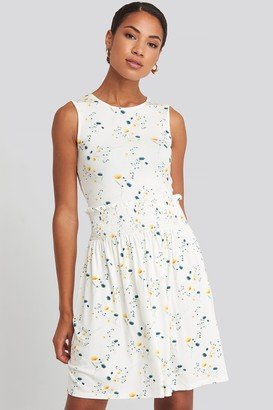 NA-KD Sleeveless Floral Print Skater Dress