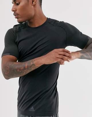 adidas ultra primeknit performance t-shirt in black