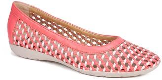 White Mountain Footwear Faylie Leather Woven Flat