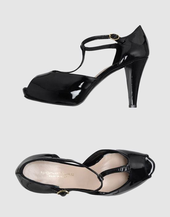 Signature Platform sandals