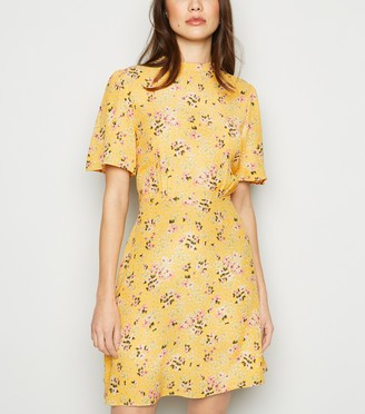 New Look Floral Short Sleeve Tea Dress