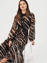 Very Abstract Print Tiered Casual Midaxi- Print