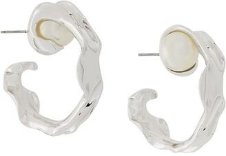 Coup De Coeur Liquid Pearl Hoop earrings