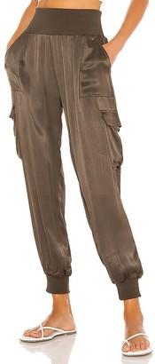 Bobi BLACK Sleek Textured Woven Pant