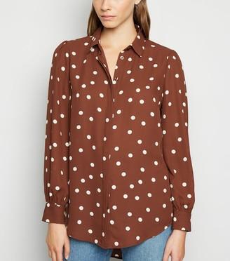 New Look Spot Dip Hem Long Sleeve Shirt