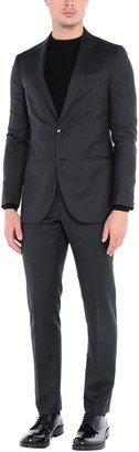ROYAL ROW Suits
