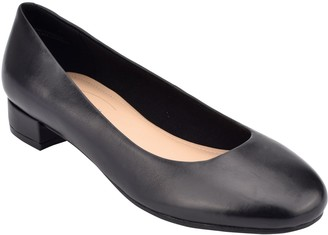 Easy Spirit Leather Rounded Toe Pumps - Bell