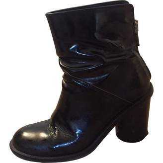 Surface to Air Black Patent leather Ankle boots