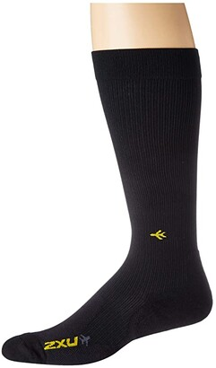 2XU Flight Compression Socks - Light Cushion (Black/Black) Crew Cut Socks Shoes