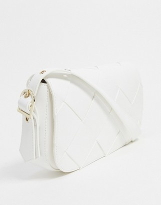 Who What Wear Harper weave detail shoulder bag in white