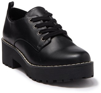 Chinese Laundry Melodies Lace-Up Platform Oxford