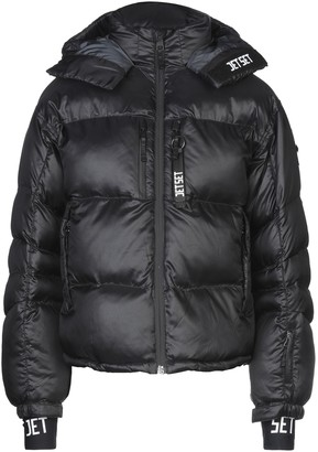 Jet Set Synthetic Down Jackets