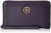 Tommy Hilfiger Lucky Charm Pebble Wristlet