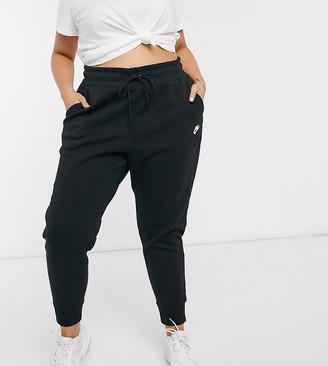 Nike Plus tech fleece black sweatpants