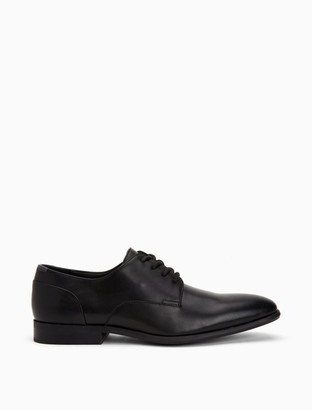 Calvin Klein Lucca Leather Dress Shoe