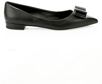 Salvatore Ferragamo Zeri Point-Toe Leather Flats