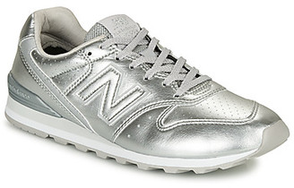 New Balance 996 women's Shoes (Trainers) in Silver
