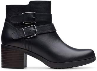Clarks Collection Hollis Pearl Leather Booties