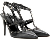 Valentino Garavani Rockstud Rolling Noir Leather Pumps