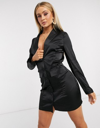 I SAW IT FIRST satin plunge blazer dress in black