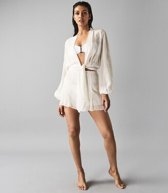 Reiss Ashley - Embroidered Resortwear Tie Front Top in Off White
