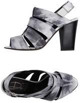 DE ROBERT Sandals