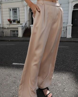 The Drop Women's @leoniehanne Beige Loose High Rise Wide Leg Silky Pant XXS