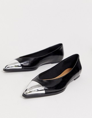 Logan Asos Design ASOS DESIGN pointed ballet flats with toe cap in black
