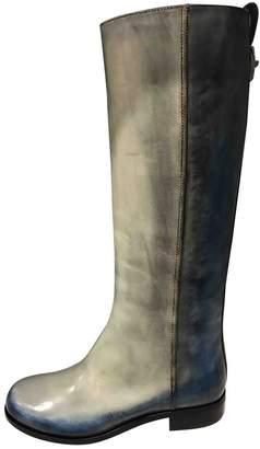 Fendi \N Grey Leather Boots