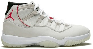 Jordan Air 11 Retro platinum tint