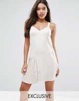 Missguided Pleat Detail Dress