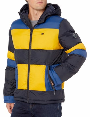 Tommy Hilfiger Women's Classic Hooded Puffer Jacket (Standard and Big & Tall)