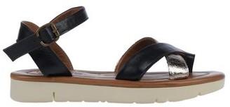 Bueno Toe post sandal