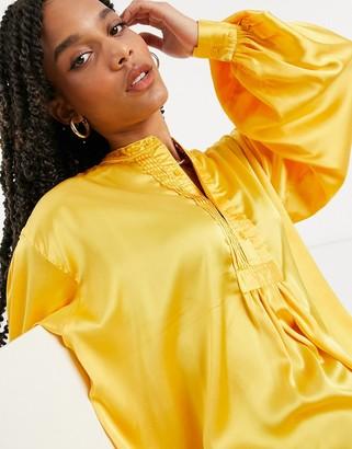 ELVI pintuck shirt in yellow