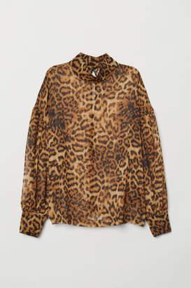 H&M Leopard-print blouse