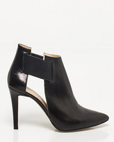 Le Château Italian-Made Leather Pointy Toe Shootie