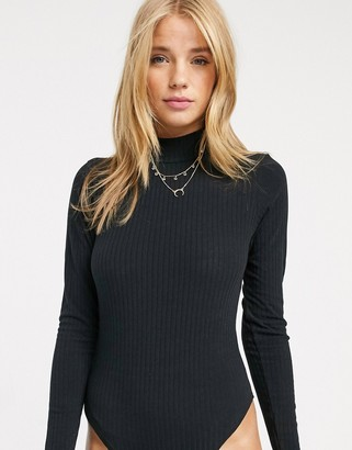 New Look long sleeve turtle neck ribbed body in black