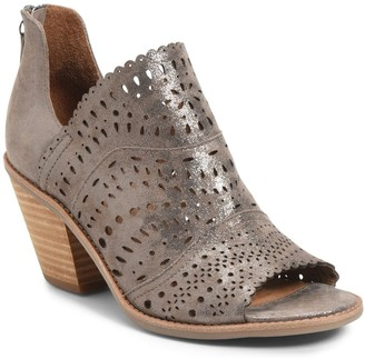 Sofft Millard Block Heel Sandal