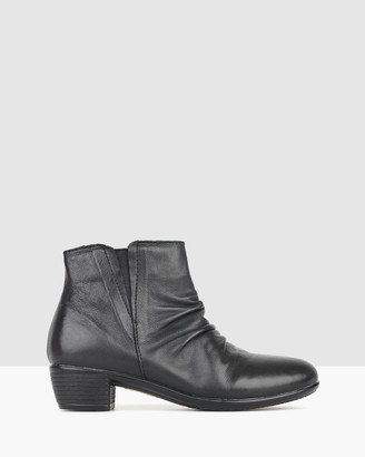 Airflex Ginny Leather Ankle Boots