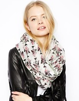 Asos Geo-Tribal Fish Infinity scarf With Tape Detail - Pink