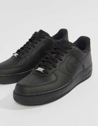 Nike Force 1 '07 Trainers In Black
