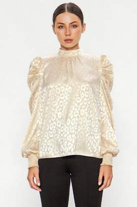 Flying Tomato Champagne Leopard Blouse
