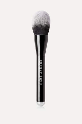 Marc Jacobs Beauty - The Bronze Bronzer Brush - Colorless