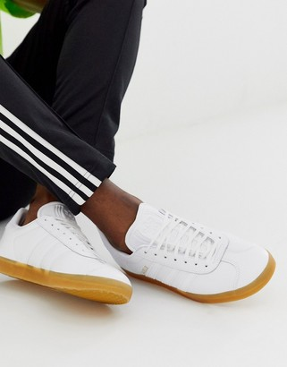 adidas gazelle trainers in white leather with gum sole