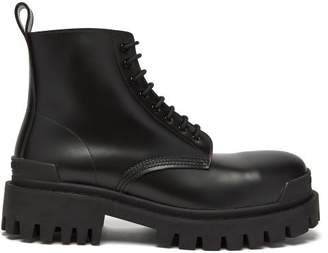 Balenciaga Tread Sole Leather Boots - Mens - Black
