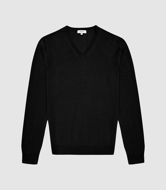 Reiss Earl - Merino Wool V-neck Jumper in Black