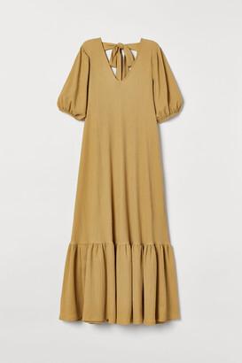 H&M Wide tie-detail dress